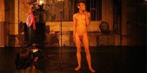 David Noir | La Toison Dort | Épisode 1 | Condition des artistes: Famine Pâtes Riz | La Guillotine | Photo © Mélanie Derouetteau
