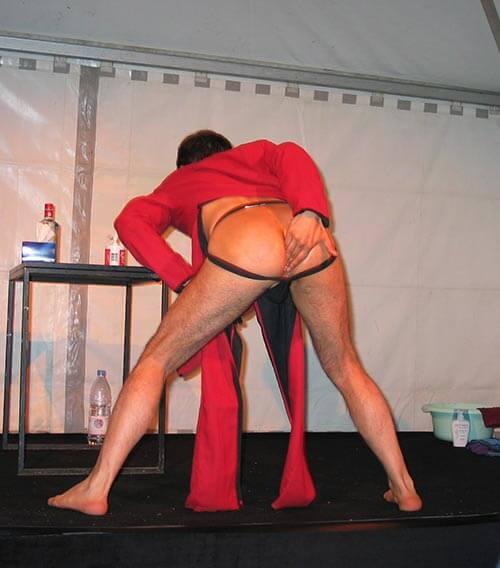 David Noir | Gode Blesse Me | Une sodomie en place publique | Festival